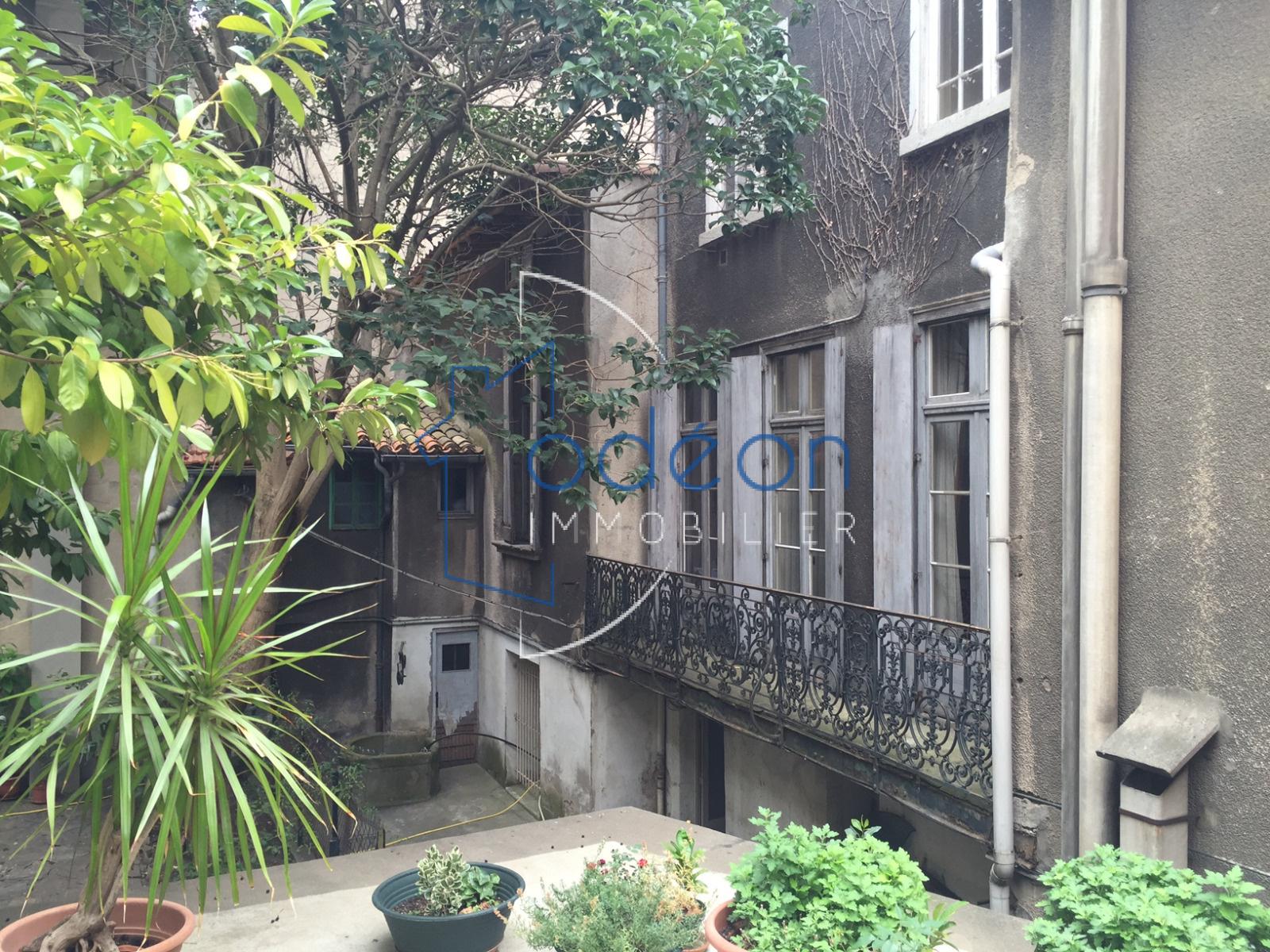 Carcassonne centre ville ensemble immobilier avec jardin for Immobilier avec jardin
